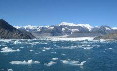 Ledovec padající do moře uvidíte na výletu lodí
