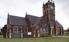 Kostel na cestě mezi Laucestonem a Doloraine