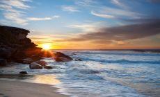 Pláž na Gold Coast za úsvitu